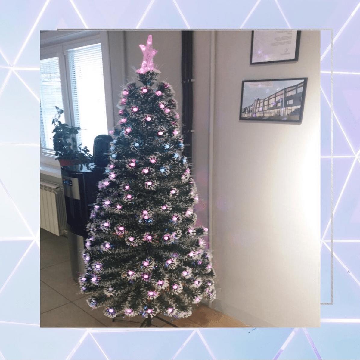 Главный атрибут новогодних праздников теперь и у нас в офисе!